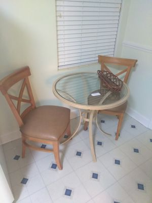 Breakfast table and chairs for Sale in Clearwater Beach, FL