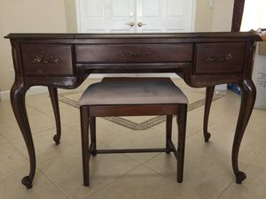 Beautiful antique vanity for Sale in North Palm Beach, FL