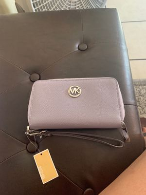 New authentic Michale Kors wallet for Sale in San Diego, CA