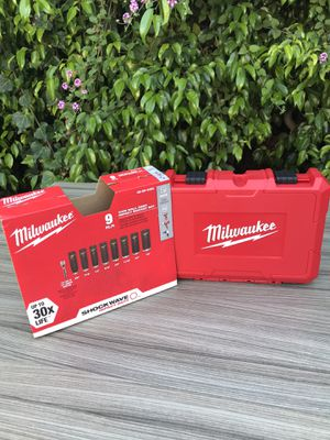 Milwaukee 1/2 in. Drive SAE Shockwave Impact Duty Deep Well Socket Set (9-Piece) $55 new for Sale in Los Angeles, CA