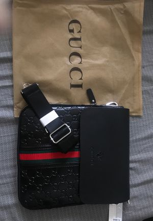 Gucci crossover bag for Sale in Shaker Heights, OH