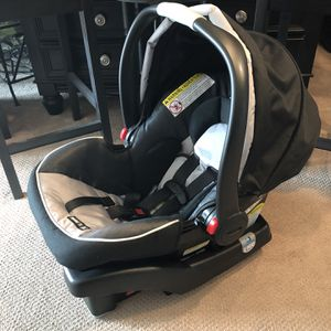 GRACO-Snugride 35-Click Connect-Infant Car Seat & Base-Like New! for Sale in San Diego, CA