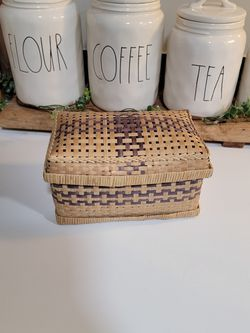 small basket for Sale in Moreno Valley,  CA