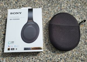 Sony wireless headphones for Sale in Norwalk, CA