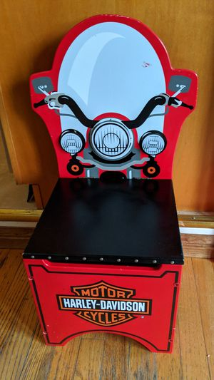 KidCraft Harley Davidson Toy Box/chair/stool, Heavy Duty, nicely made. for Sale in Cedar Hill, MO