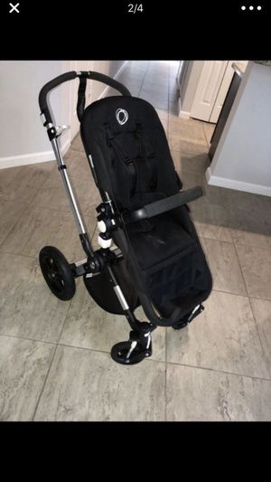 Bugaboo cameleon 3 I have pink covers and baby blue no sun canopy included for Sale in Pompano Beach, FL