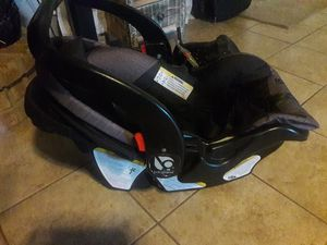 Babytrend car seat with base for Sale in Portland, TX
