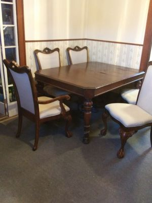 ANTIQUE 1928 DINETTE SET 8 pcs for Sale in Columbus, OH