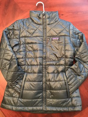 Patagonia Women's Radalie Jacket NWT Size Small $119 shipped / $100 for pick up for Sale in Auburn, WA