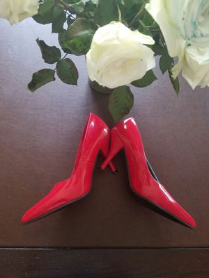 Beautiful bright red pumps for Sale in Fort Washington, MD