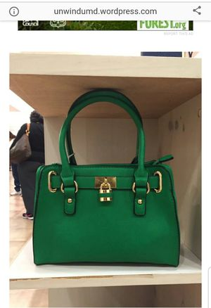 Green purse for Sale in Henderson, NV