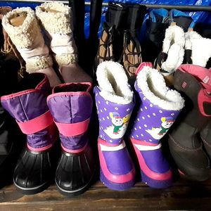 Snow Boots Kids $22.00 for Sale in Santa Ana, CA