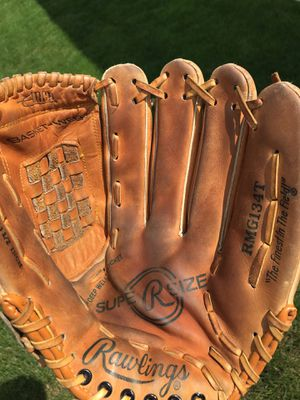 Rawlings Super size 13.5 inch slowpitch softball Glove / mitt for Sale in Tinley Park, IL