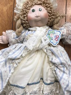 16 Inch Vintage Porcelain Betsy Ross Cabbage Patch Doll for Sale in La Habra,  CA