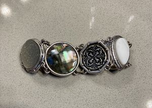 Like new gorgeous Chico's bracelet with magnetic closure for Sale in Las Vegas, NV