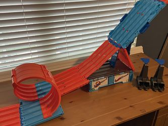 Hot Wheels Race Crate for Sale in Killeen,  TX