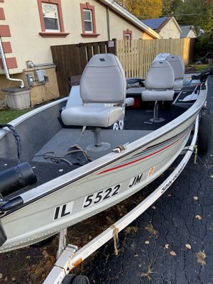 Lowe fishing boat for Sale in Des Plaines, IL
