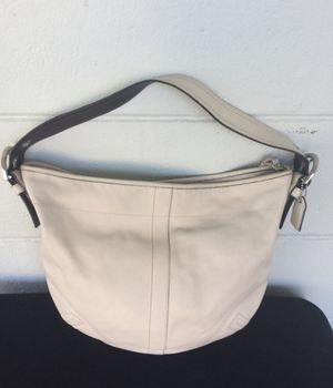 Authentic Coach Leather Hobo embellished SA03 Bag with tassel zipper n hang tag for Sale in Spring Hill, FL