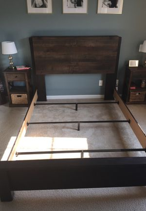 Like New Rustic Queen Bed Frame for Sale in Leesburg, VA