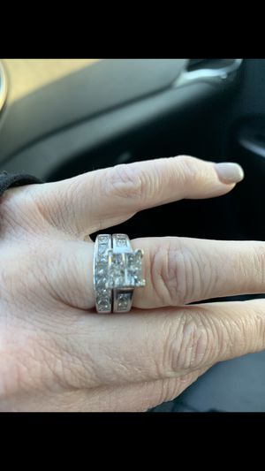 Wedding ring set for Sale in Bethalto, IL