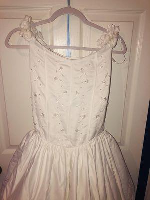 White Dress Size:16 for Sale in Bellflower, CA