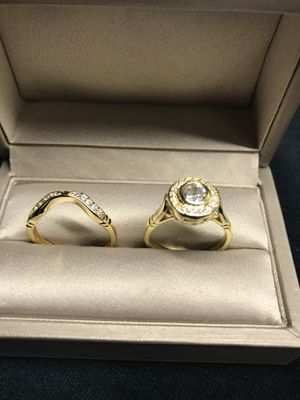 14K Yellow Gold over Sterling Silver Simulated Diamonds 💎 Two piece set Engagement Ring 💍 Sz7 for Sale in Wood Dale, IL