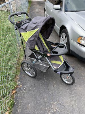 Jogging stroller for Sale in Columbus, OH