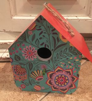New metal bird house garden decor for Sale in Rancho Cucamonga, CA