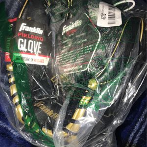 franklin fielding glove (pick up only) for Sale in Garden Grove, CA