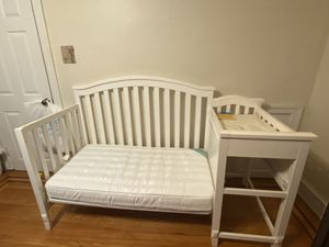 Baby bed with changing table for Sale in Philadelphia, PA