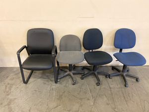 4 chairs for FREE for Sale in Portland, OR