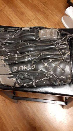 The DEMARINI DIABLO BASEBALL/ SOFTBALL GLOVE for Sale in Portland,  OR