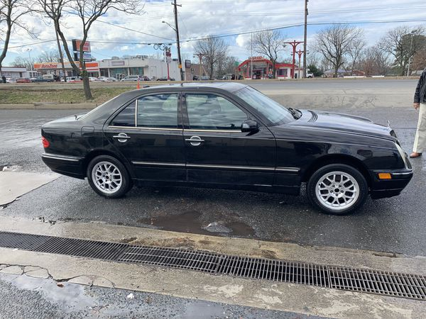 2001 MERCEDES BENZ E-320 4 MATIC