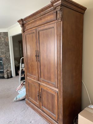 Free! Platypus TV Armoire for Sale in Brick Township, NJ