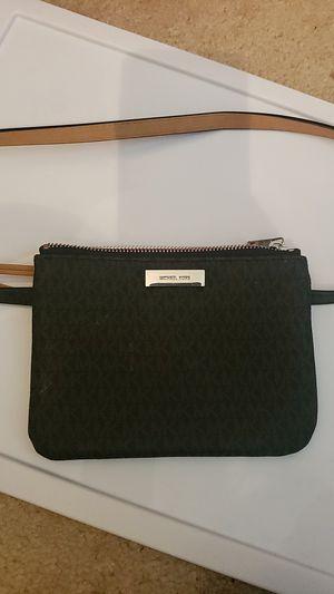 Michael Kors waist bag for Sale in Hyattsville, MD