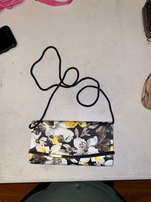 Women Shoulder bag for Sale in Los Angeles, CA