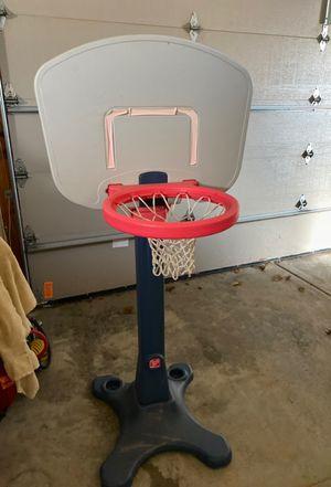 Adjustable child basketball hoop for Sale in Franklin, WI