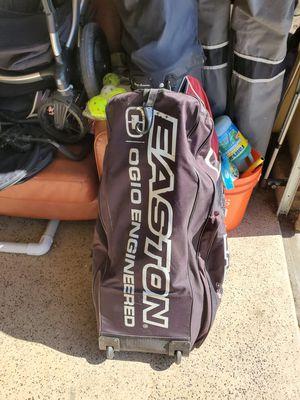 Easton roller bag for Sale in Fontana, CA