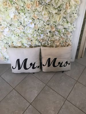 2 Beautiful pillows for Sale in Tracy, CA