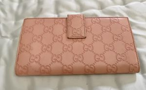Gucci wallet for Sale in Orlando, FL