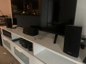 Onkyo sound system with 5 speakers for Sale in Kissimmee, FL
