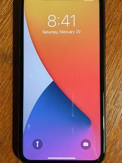 iPhone 11 64GB UNLOCKED for Sale in La Mirada,  CA