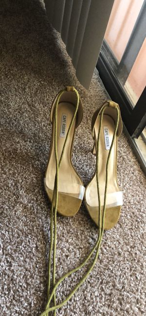 Cape Robbin olive green lace open toe heels. for Sale in Port St. Lucie, FL