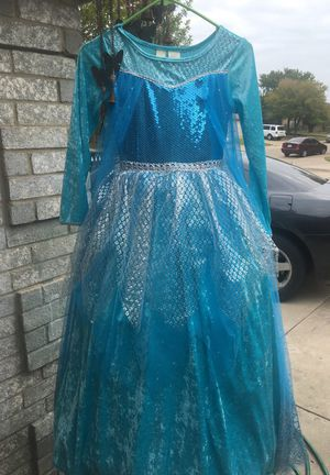 Elsa dress size 8 for Sale in Dallas, TX