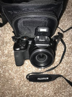Digital Camera (Black) with Case, Battery Charger, SD Card for Sale in Miami, FL