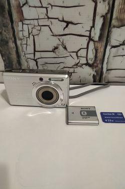 Sony CyberShot Dsc-S750 Digital Camera With 7.2 Megapixels for Sale in Denver,  CO