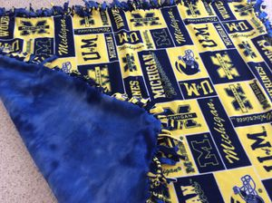 University of Michigan fleece blanket for Sale in Downers Grove, IL