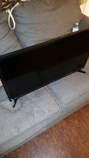 32 inch samsung tv for Sale in Dallas, TX