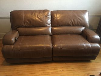 Reclining Leather Sofa for Sale in Cleveland,  OH