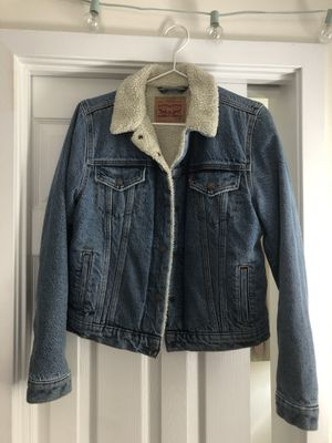 Levi's Women's Sherpa Jacket size M for Sale in Berkeley, CA